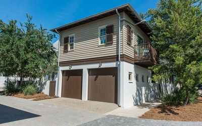Photo for Pet Friendly! Near Town Center, 1 Block to Sky Pool, 2 Bikes Included!