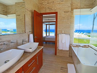 Photo for Oceanfront three-bedroom luxury villa #1