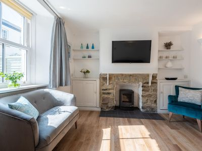 This cottage is a 3 bedroom(s), 2 bathrooms, located in St Agnes, Cornwall.