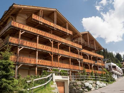 Verbier High end luxury apartment located near Medran lifts ideal for 6 to 8
