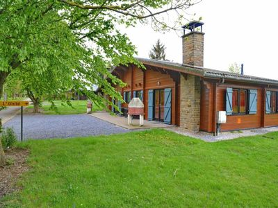 Bungalow for 9 persons, single storey, calmly situated in domain 'Les Chalets du Cheneau' in Hour /H