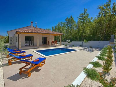 Photo for Holiday house Belavići for 4 - 6 persons with 2 bedrooms - Villa