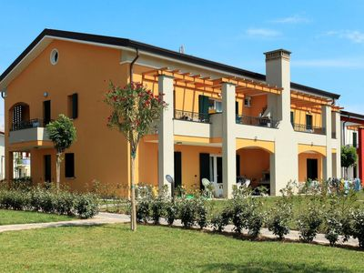 Photo for Apartment Ferienanlage Le Frassinelle (CAO442) in Caorle - 7 persons, 2 bedrooms