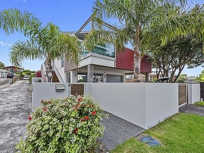 Photo for Bach on Valley - Mt Maunganui Holiday Unit