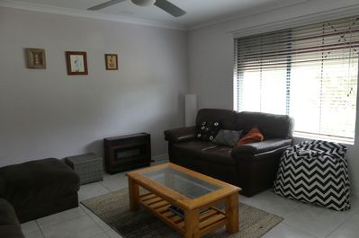 Lounge, airconditioning, heating, fan and TV