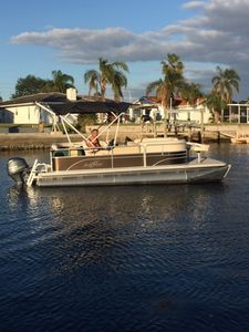 Special Fall rates. FREE boat, heated pool, bikes, kayaks gas grill and  WIFI