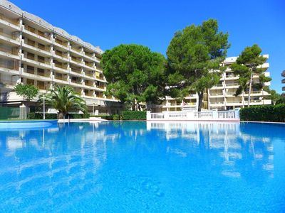 Photo for Fantastic apartment in Salou of 5 Pers 2 bedrooms near the sea.