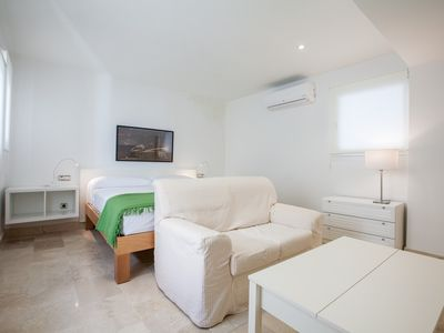 Photo for Apartment in the center of Seville with Internet, Air conditioning, Washing machine (494486)