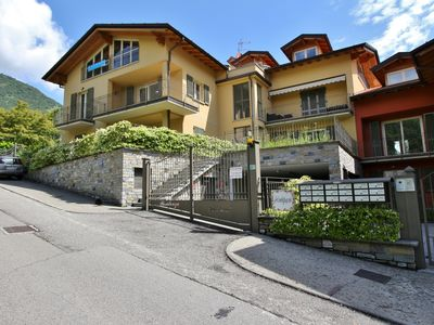 Photo for Residence I Tulipani Vista, Tremezzo, Italy
