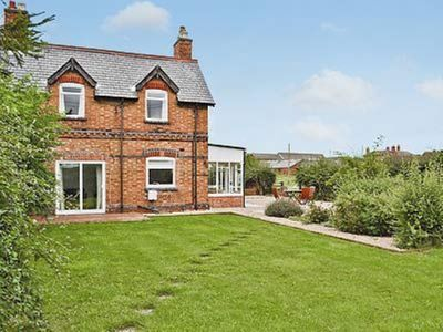 Photo for 2BR Cottage Vacation Rental in All Nottinghamshire, Nottinghamshire