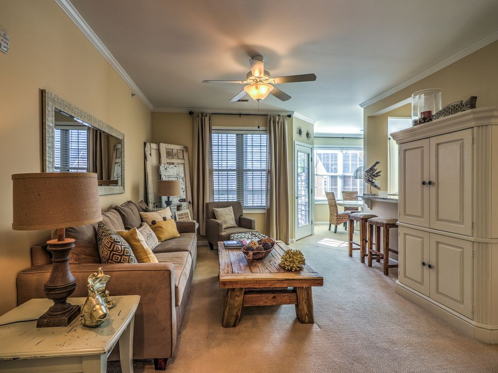 Rehoboth Beach 2br Condo W Linens Screened In Porch Pool Sleeps 6