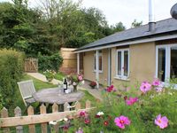 EXCELLENT COTTAGE FOR DOGS AND THEIR COMPANIONS