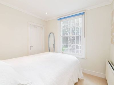 Photo for Fab 2 bed garden flat Notting Hill/Westbourne W2