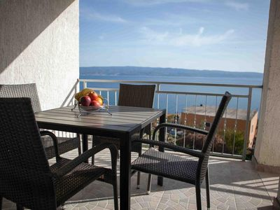 Photo for Two bedroom apartment with terrace and sea view Suhi Potok (Omiš)