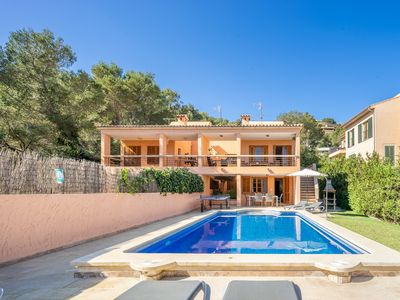 Photo for Villa with private pool walking distance to the beach