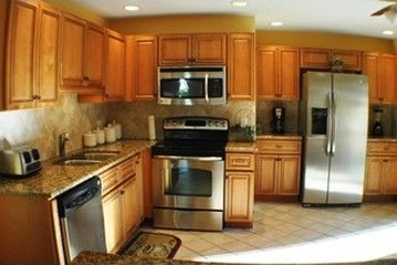 BRAND NEW KITCHEN, STAINLESS STEEL APPLIANCES, ALL NEW COOKING UTENSILS