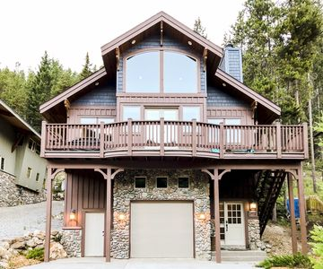 Photo for Panorama Greywolf Luxury Home: 4 bedrooms | Private Hot Tub 118553