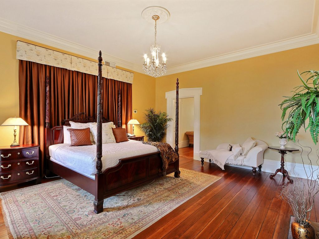"Rest Well with Southern Belle Vacation Rentals at ""Jesse Mount House"""