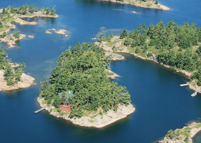 1.3 Acre Private island w/3 bedroom modern cabin