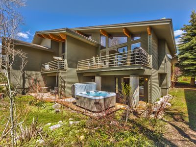 Photo for Fully Remodeled Beautiful Park Meadows Home!