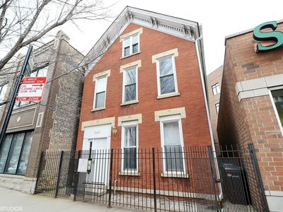 Photo for 3 Flat in Lincoln Park (Perfect for groups of 10-26).  Walk to Wrigley!