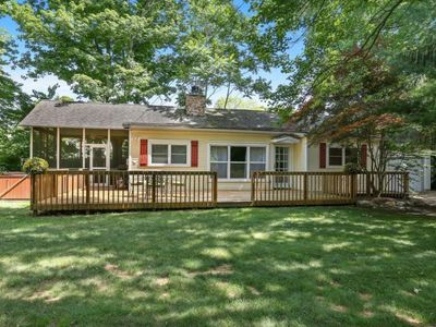 Photo for Cute cottage, hot tub, screened porch, yard, only 3/10 of a mile to the beach!