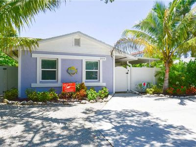 3-5 Minute Walk to the Gulf Beaches on AMI - Private Heated Pool