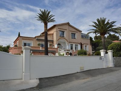 Photo for House 4 people, 30 sqm, in a charming provencal, swimming pool, near the sea
