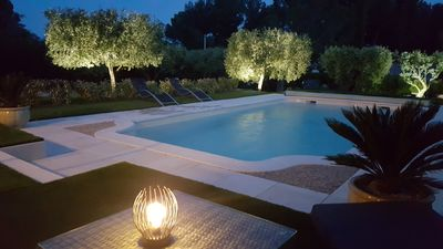 Photo for Air-conditioned house with private pool, Isle sur Sorgue.
