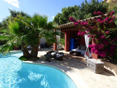 Photo for Very nice holiday cottage. private and fenced garden, shared pool