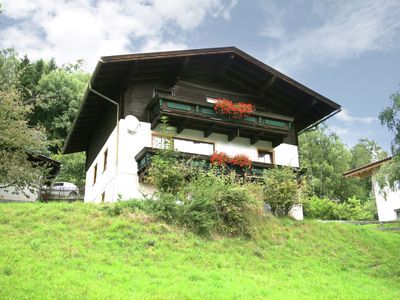 Photo for Cosy holiday home nearby Zell am See.