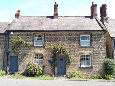 Photo for Pathways Holiday Cottage a delightful 18th century stone cottage in Derbyshire.