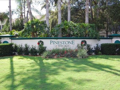 entrance to Pinestone