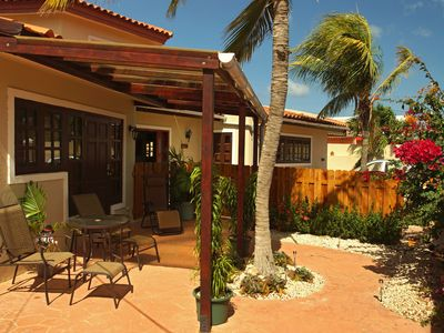 Photo for Comfortable Apartment close to Eagle Beach