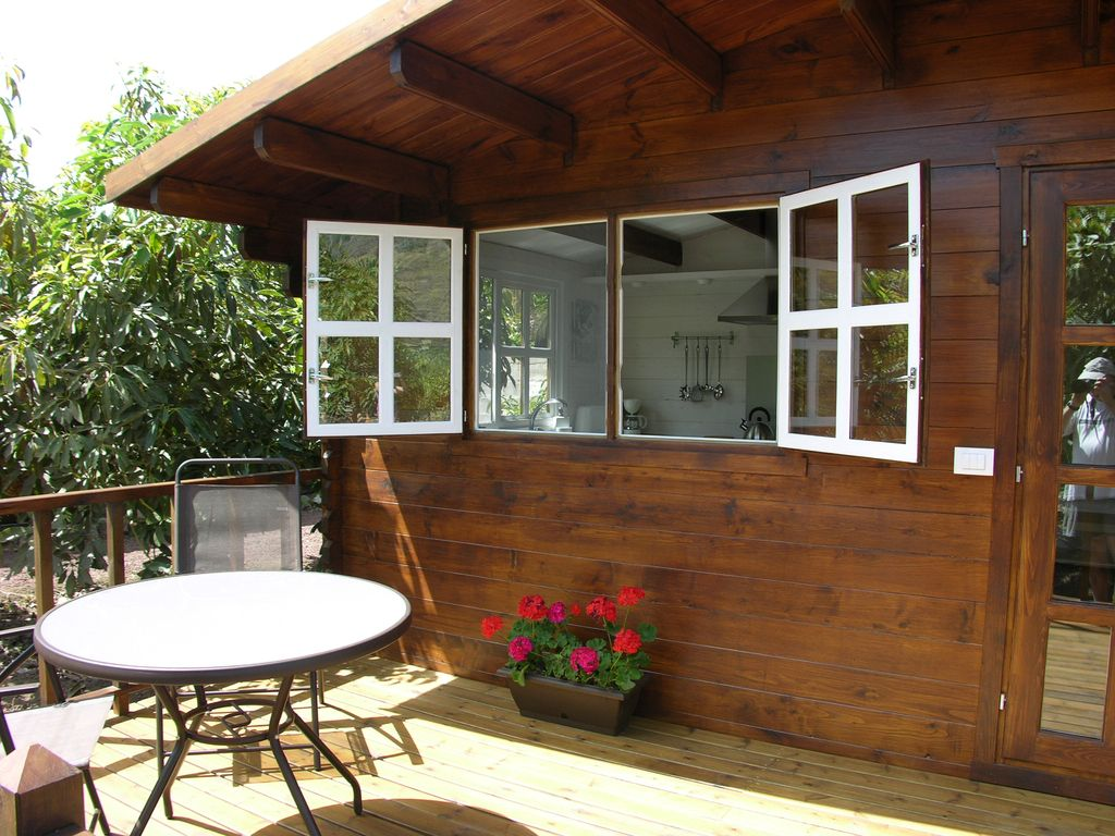La Orotava Cottage Rental   Enjoy Your Breakfast Or Dinner On Your Private  Deck Outside.