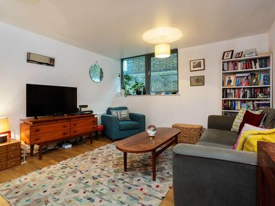 Photo for Ground floor apartment next to The Emirates, 20 mins to central London (Veeve)