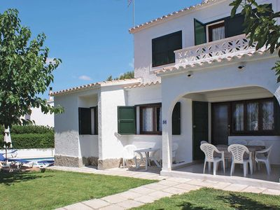 Photo for Traditional family villa close to amenities with private pool & Wi-Fi