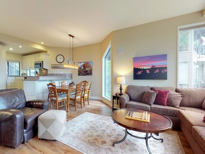 Photo for Comfortable condo w/ private hot tub, shared pool & tennis - great location!