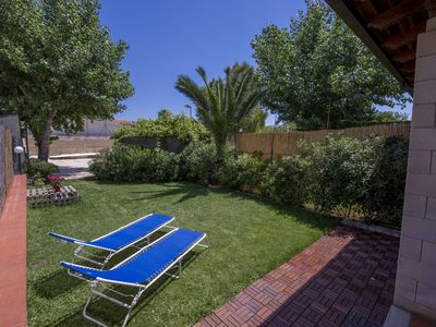 Photo for Villa Panda 150m from the beach and the crystal clear sea of Plemmirio
