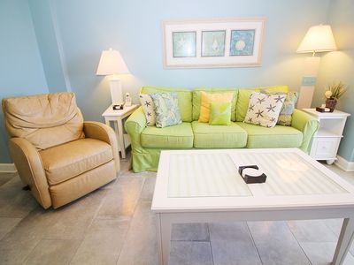 Photo for DEEP DISCOUNT PRICE FOR FALL & WINTER.  TW1102 Nice 1BD/2BA Gulf Front view looking out at the beautiful Gulf of Mexico. COME AND EXPERIENCE OUR SANDY WHITE BEACHES FOR YOURSELF! QUOTE ONLY INCLUDES 1 PARKING PASS.