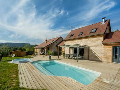 Photo for Barn with wooden extension 12 people, heated pool and jacuzzi.  Morvan