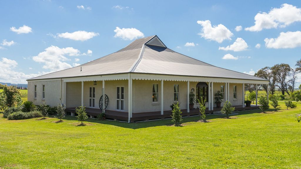 Calvin House - Colonial splendour with style