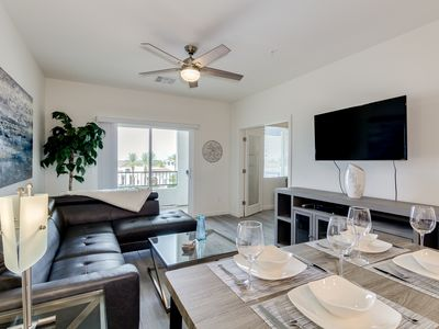 Photo for Resort Condo in Desirable Chandler.  Tons of Amenities.  Walk to Everything! 30 Night Min!