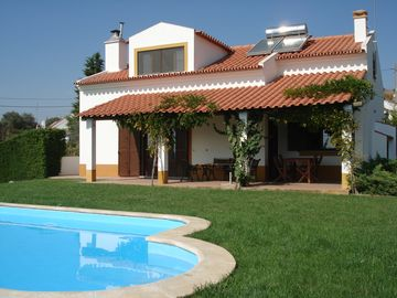 Cozy house with private pool in Lavre, 1 hour from Lisbon