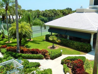courtyard, club house & tennis court
