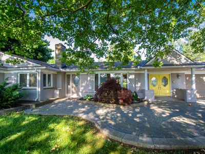 Photo for 5-star Mansion Luxury Oasis! 10 mins from the Falls!