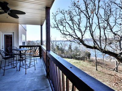 Photo for Table Rock Lake, Luxury Lake front condo, jacuzzi ,5 min to Silver Dollar City