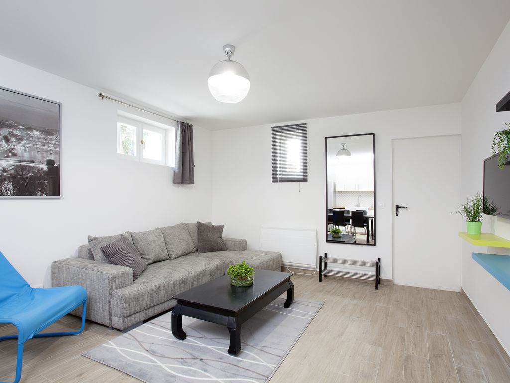 Near paris 95 m2 family apartment 3 bedrooms 2 for Apartments with 3 bedrooms and 2 bathrooms