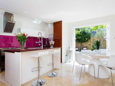 Photo for Smart 3 bed house in family friendly Fulham, sleeps 6 (Veeve)