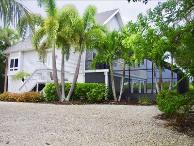 Book Now & enjoy waterfront living in this Sanibel-Captiva vacation favorite. Bring your boat!